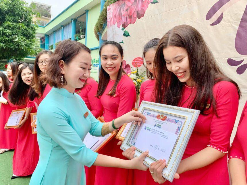 Nụ cười ngày Nhà giáo Việt Nam 20/11/2020